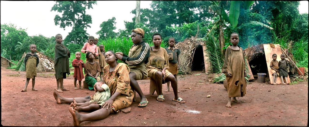 32PygmeaFamily_Eye_on_Africa_mvg