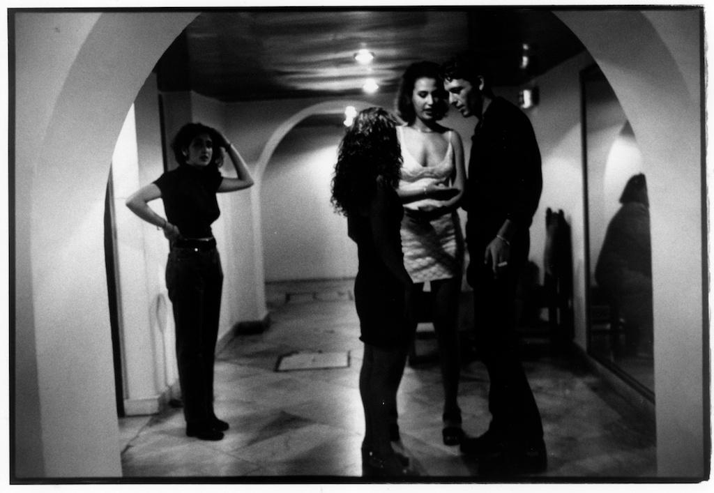 Dans la discothèque de l'hôtel El Djazaïr, à Alger, juin 1998.