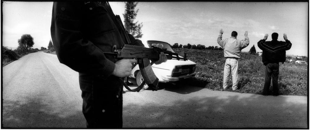 Contrôle policier sur une route de la Mitidja.