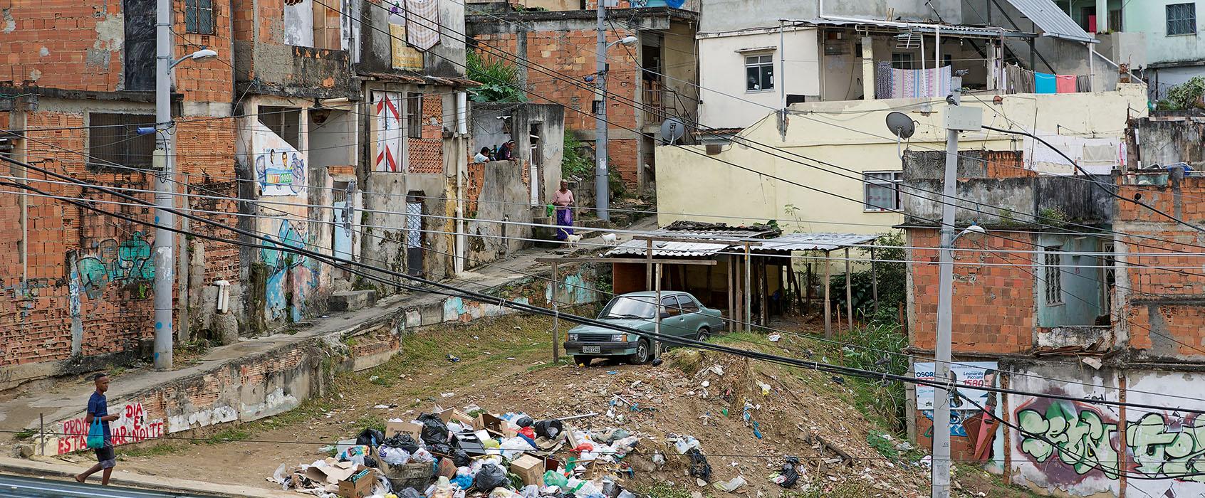 mvg_Rio_#14_Favela_ground